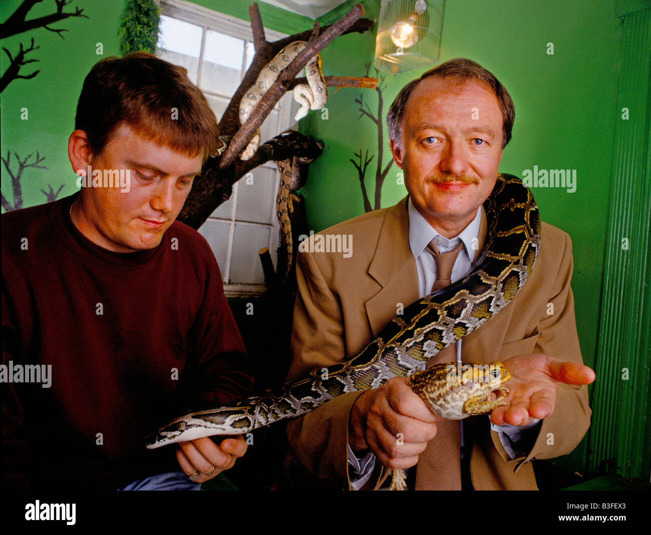 KEN LIVINGSTONE, FORMER MAYOR OF LONDON WITH HIS HOBBY COLLECTING REPTILES AND AMPHIBIANS - Stock Image
