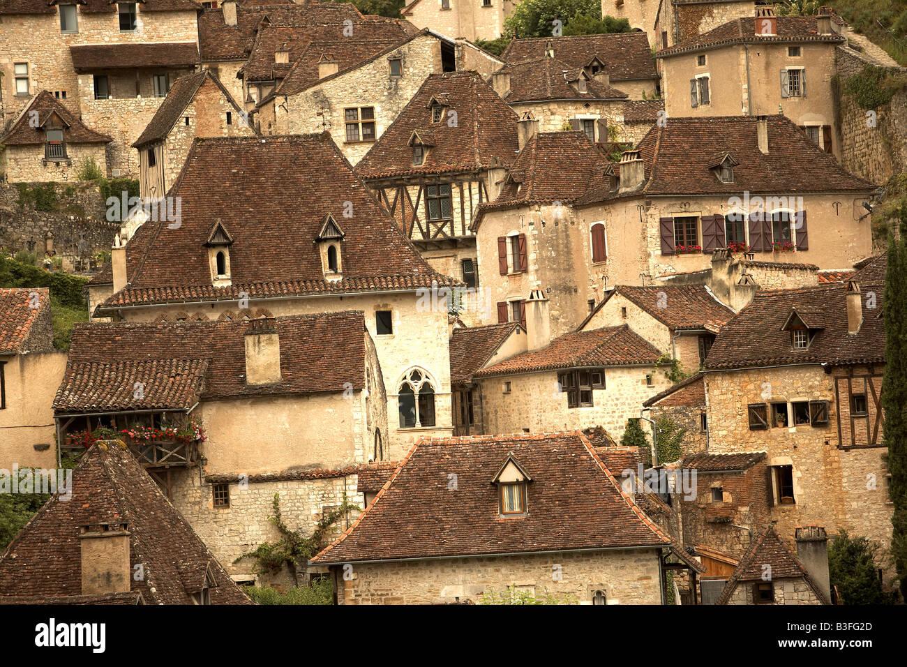 Lot Vallee du Lot Saint Cirq Lapopie The old village of Lapopie Midi Pyrenees France Europe - Stock Image