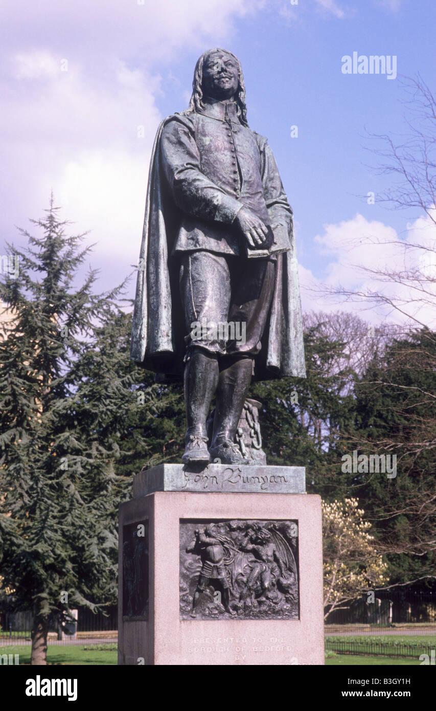 Bedford John Bunyan statue Bedfordshire Poet drama dramatist author English Civil War period 17th century Pilgrims - Stock Image