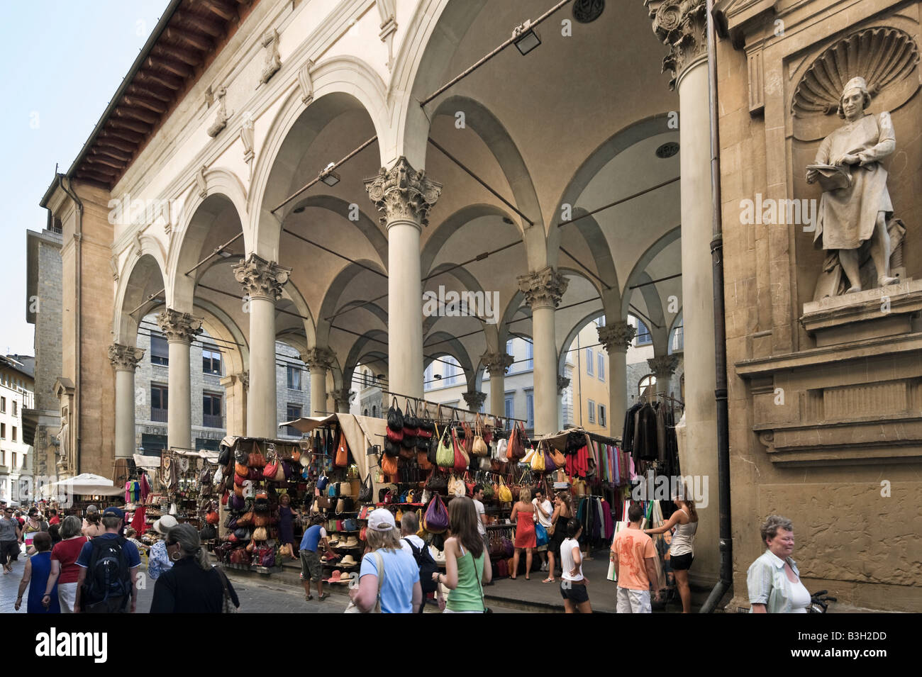 Open air market in Piazza del Mercato Nuovo in the historic centre, Florence, Tuscany, Italy - Stock Image