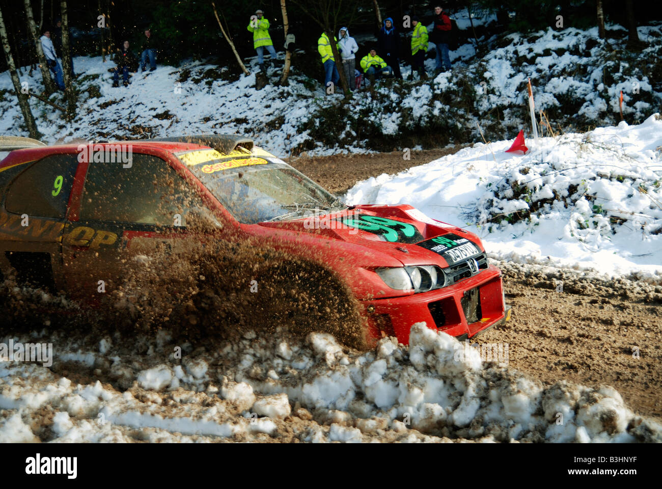 hormigón Sombra mosquito  Andy Burton V6 Cosworth Peugeot ploughing through the snow and Ice Stock  Photo - Alamy