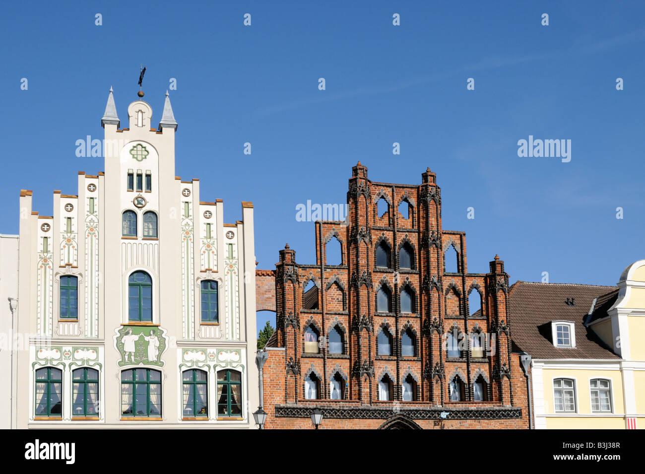 Giebelhäuser in Wismar Mecklenburg Vorpommern Deutschland Gable houses in Wismar Mecklenburg Western Pomerania - Stock Image
