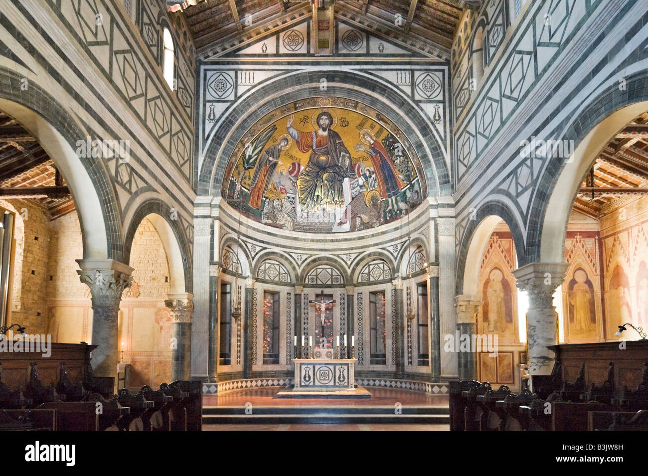 Interior of the church of san miniato al monte showing the for Images of interior