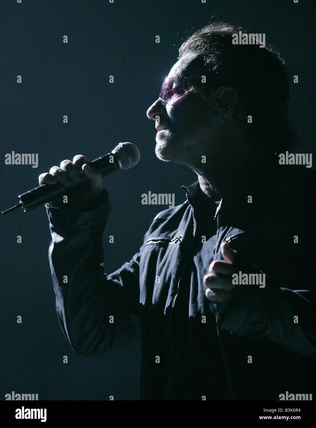 U2  Irish rock group with Bono in 2005 - Stock Image