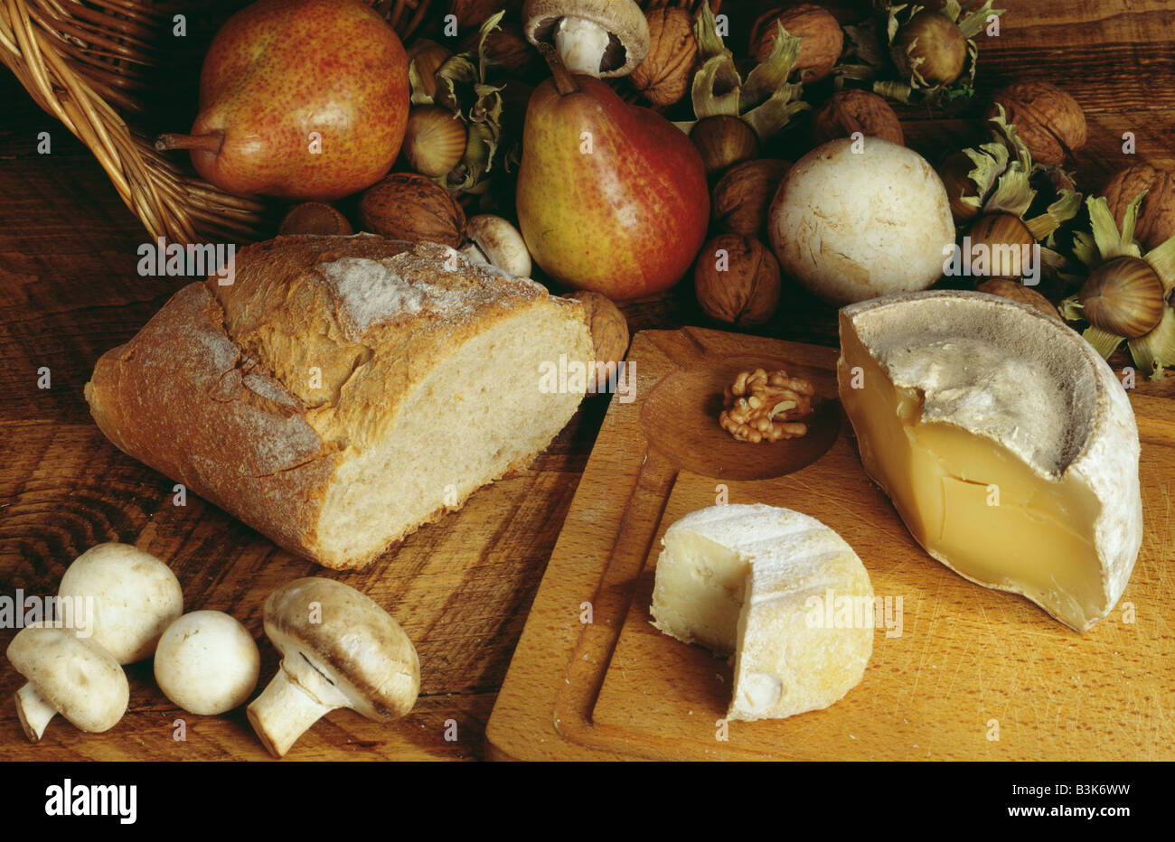Cheese and bread composition pain et fromages - Stock Image