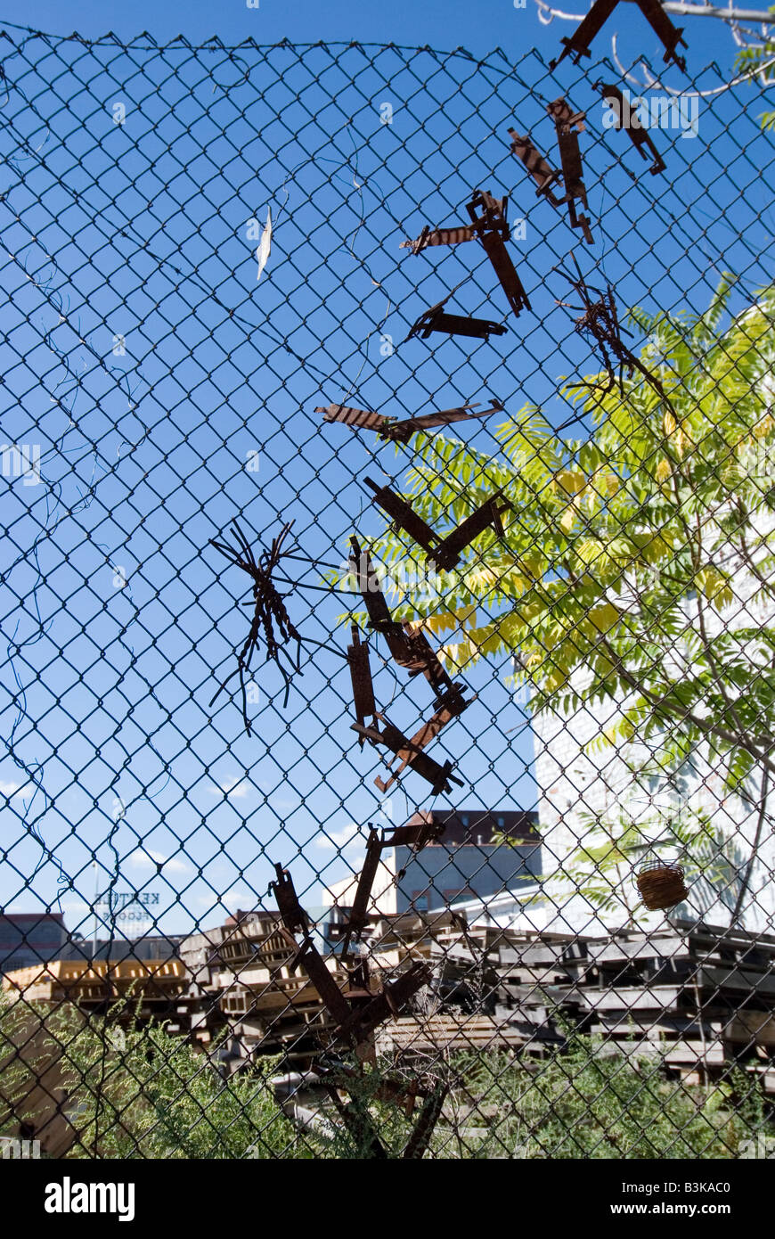 Wire Fence Art Metal Stock Photos & Wire Fence Art Metal Stock ...