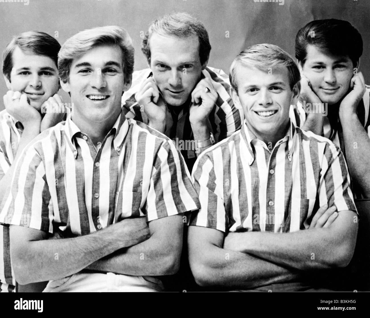 BEACH BOYS US group from left Carl Wilson, Dennis Wilson, Mike Love, Al Jardine and Brian Wilson - Stock Image