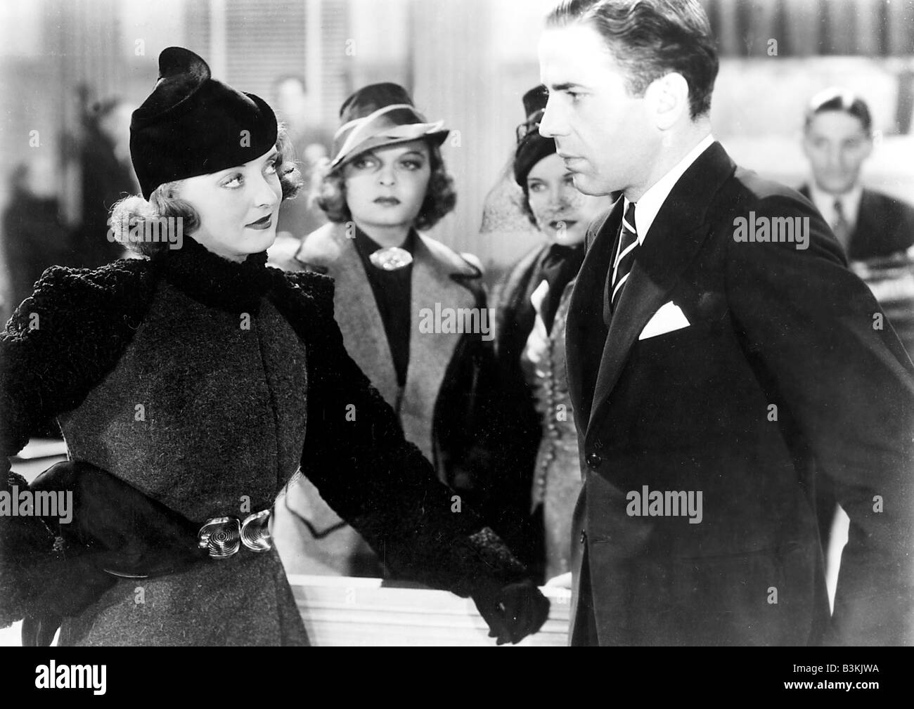 MARKED WOMAN 1937 Warner film with Bette Davis at left and Humphrey Bogart - Stock Image