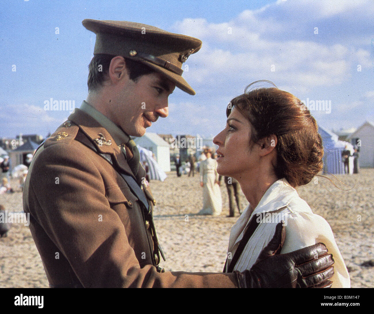 CHANEL SOLITAIRE 1981 Gardenia film with Timothy Dalton and Marie-France Pisier - Stock Image