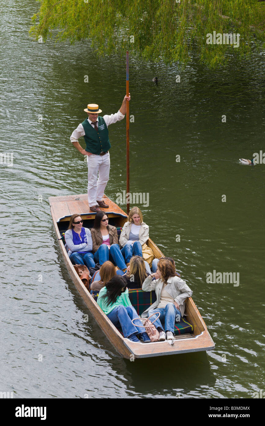Punting on River Cam, Cambridge, England - Stock Image