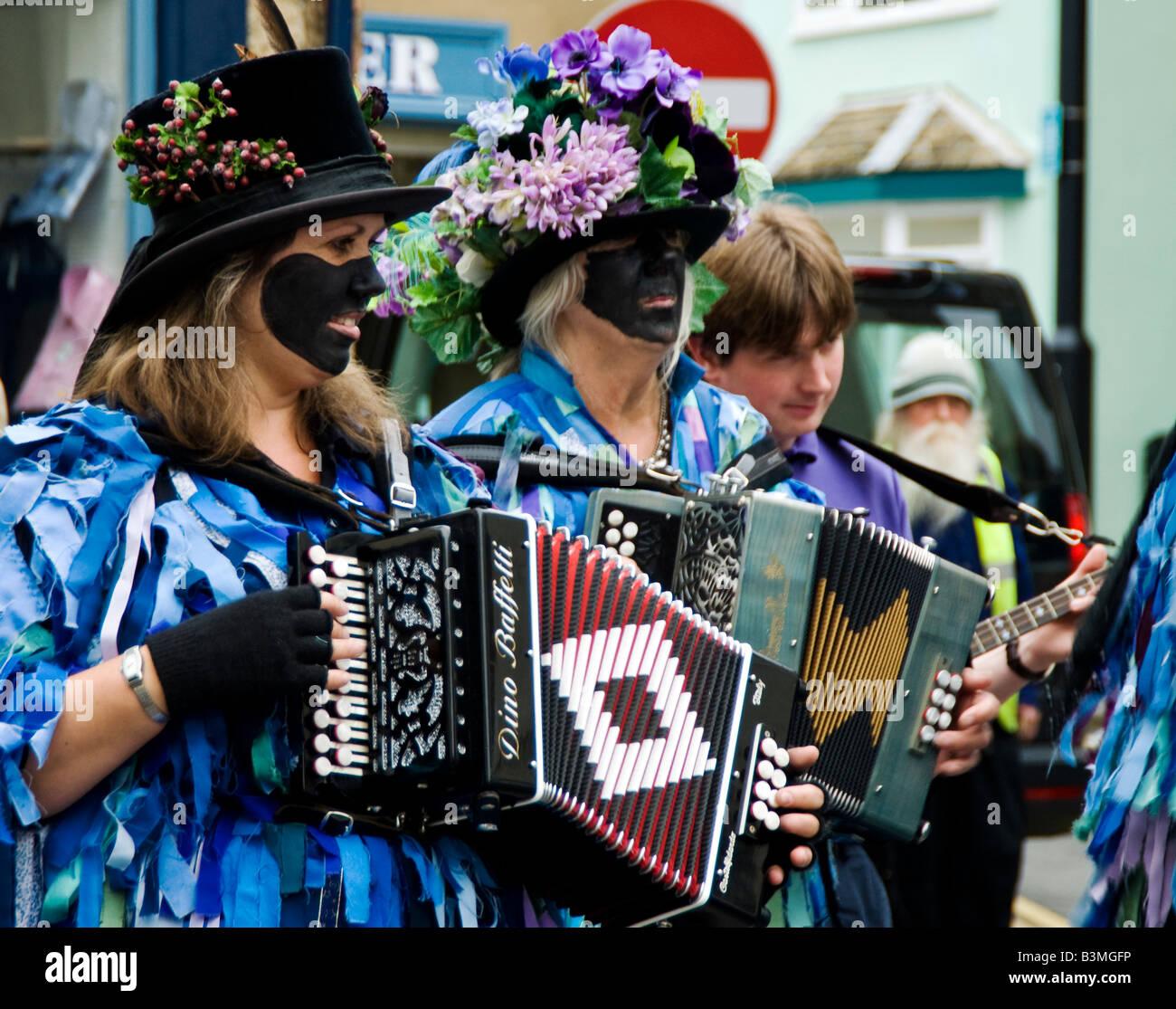 Exmoor Border Morris Men musicians playing at Shipston on Stour Proms 2008. Warwickshire, England, UK - Stock Image
