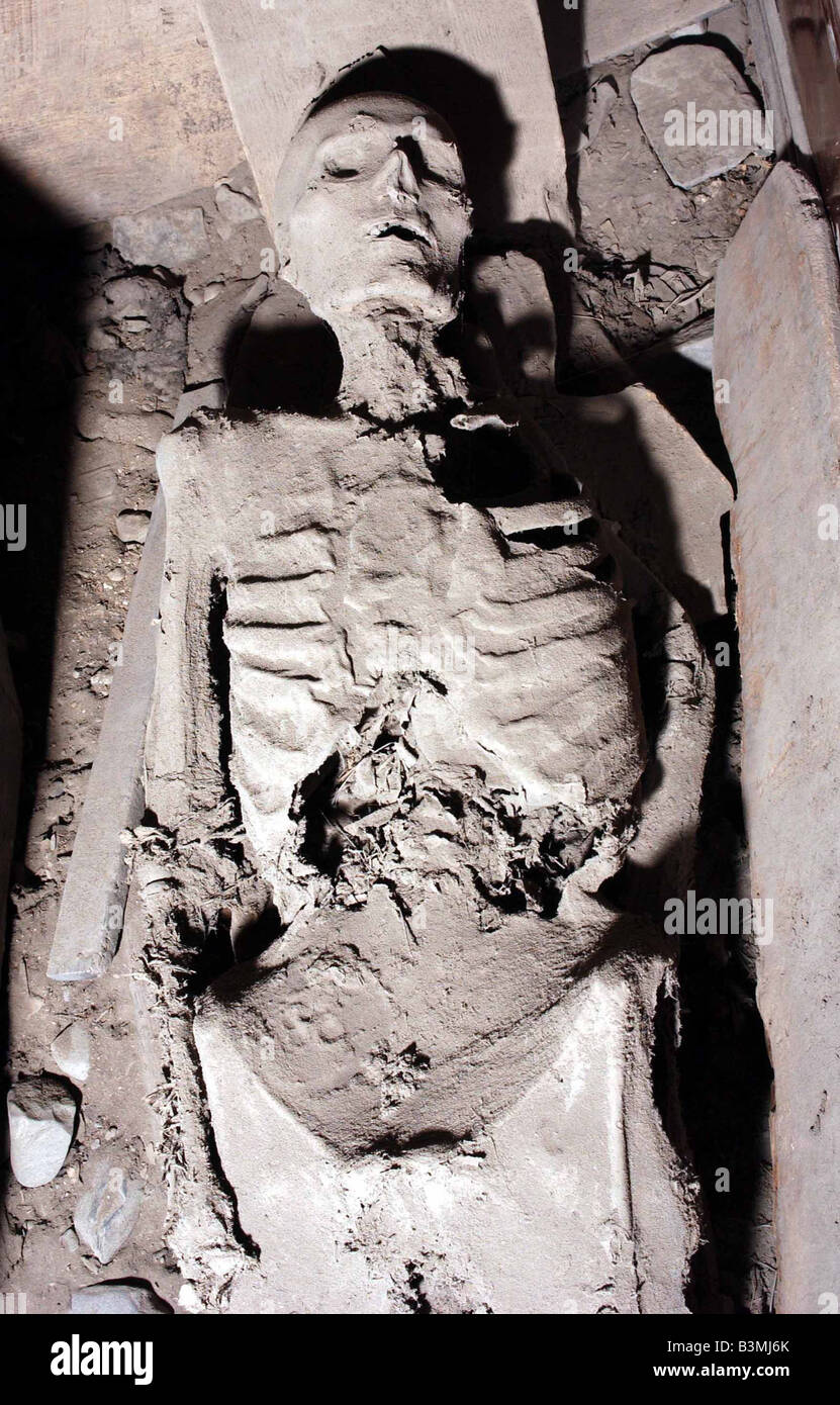 Mummified remains supposed to be those of a nun in a vault at St Michan's Anglican church in Dublin - Stock Image