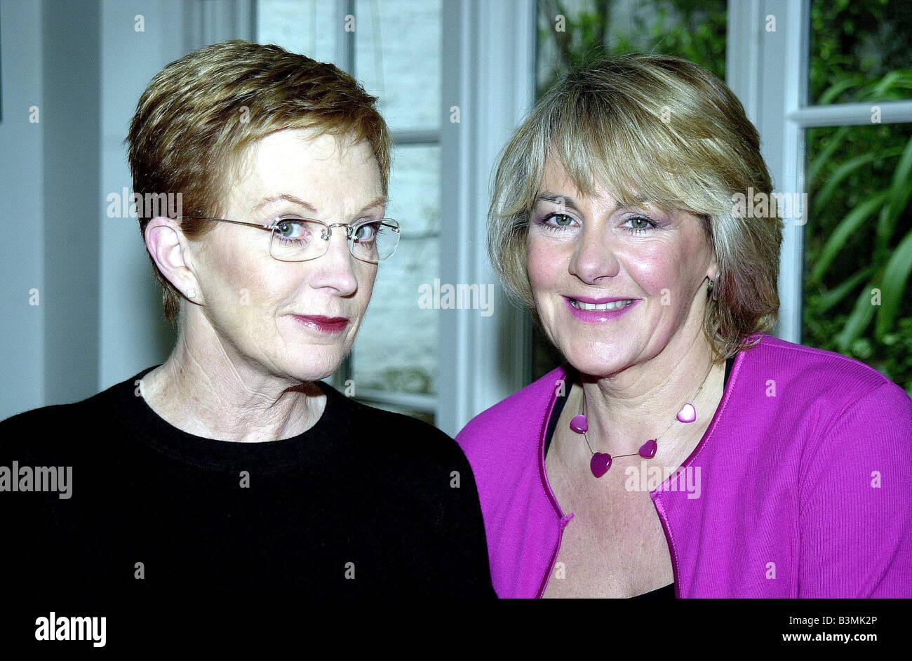TV Presenter Ann Robinson with the Mirror s Nina Miscow Mirrorpix - Stock Image
