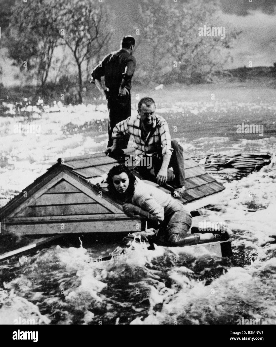 FLOODS OF FEAR  1959 Rank film with Howard Keel and Anne Heywood - Stock Image