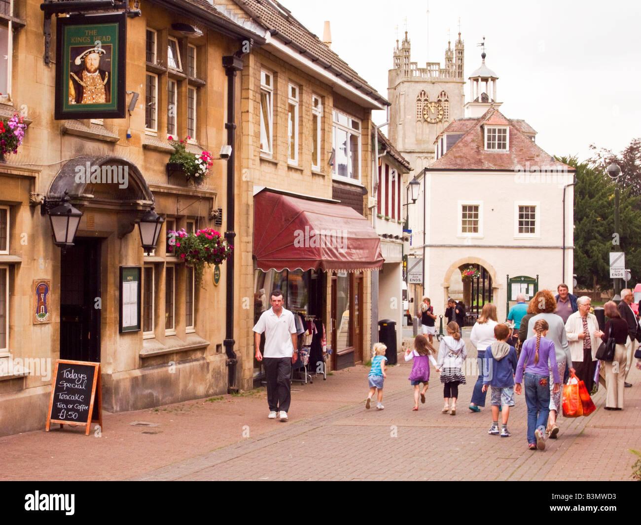 Pedestrian precinct with public house in Dursley Gloucestershire England UK EU - Stock Image