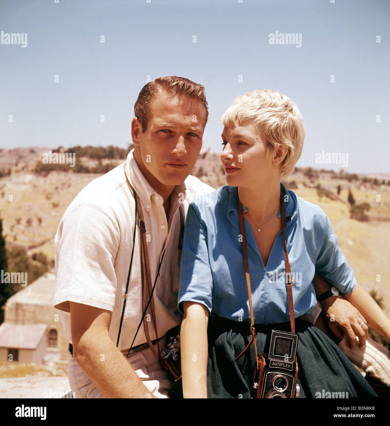 PAUL NEWMAN with wife Joanne Woodward while filming Exodus in Jerusalem in 1960 - Stock Image