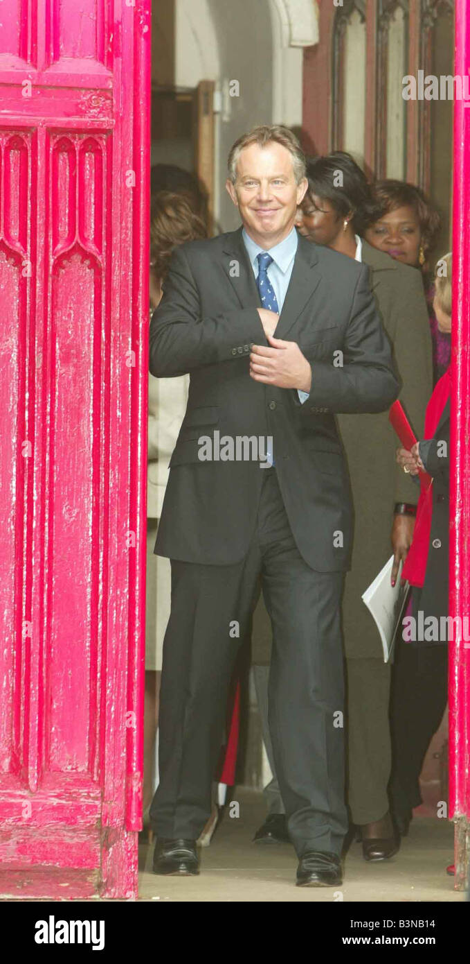 Tony Blair leaving St Peter s Church in Brighton September 2004 - Stock Image