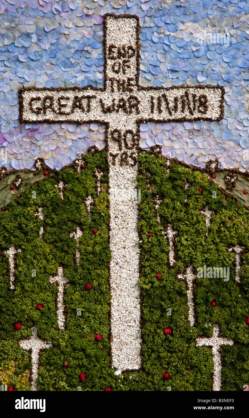 derbyshire well dressing the end of the great war cemetry graves cross - Stock Image