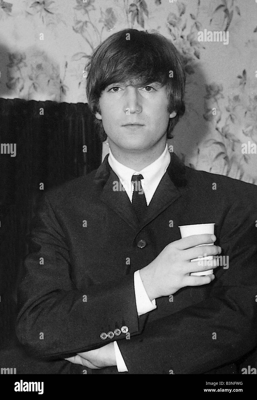 Beatles 1964 John Lennon