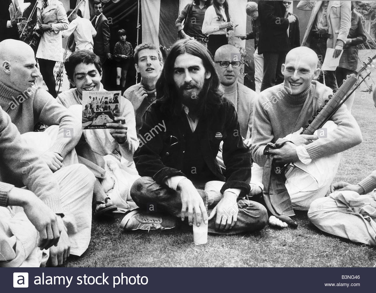 George Harrison member of the Beatles September 1969 is pictured at Sydenhamm Hill with a group of twelve Buddhist - Stock Image