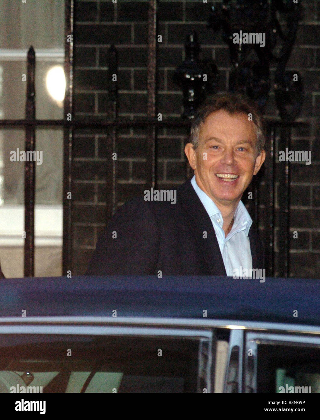 Tony and Cherie Blair leave Downing Street for Hammersmith Hospital where Tony Blair is having his heart operation - Stock Image