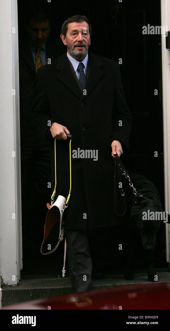 Home Secretary David Blunket leaves his Westminster home October 2004 - Stock Image