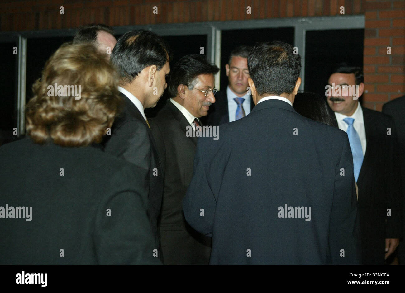 Pakistan President Musharraf arrives in Manchester with tight security December 2004 - Stock Image
