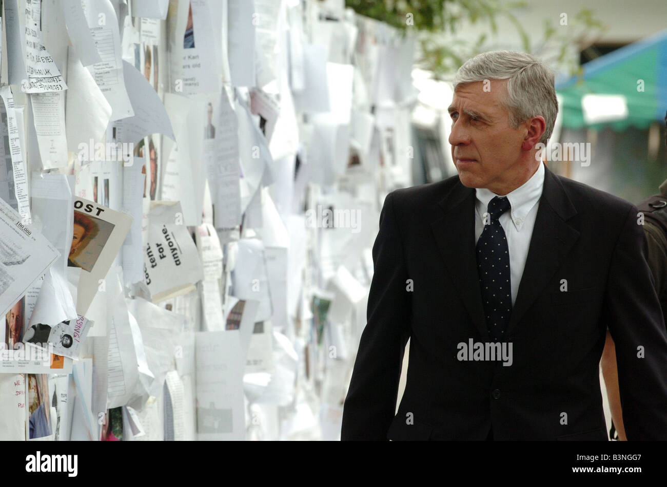 Foreign Secretary Jack Straw looks at the clean up operation on Patong Beach Phucket Thailand January 2005 - Stock Image