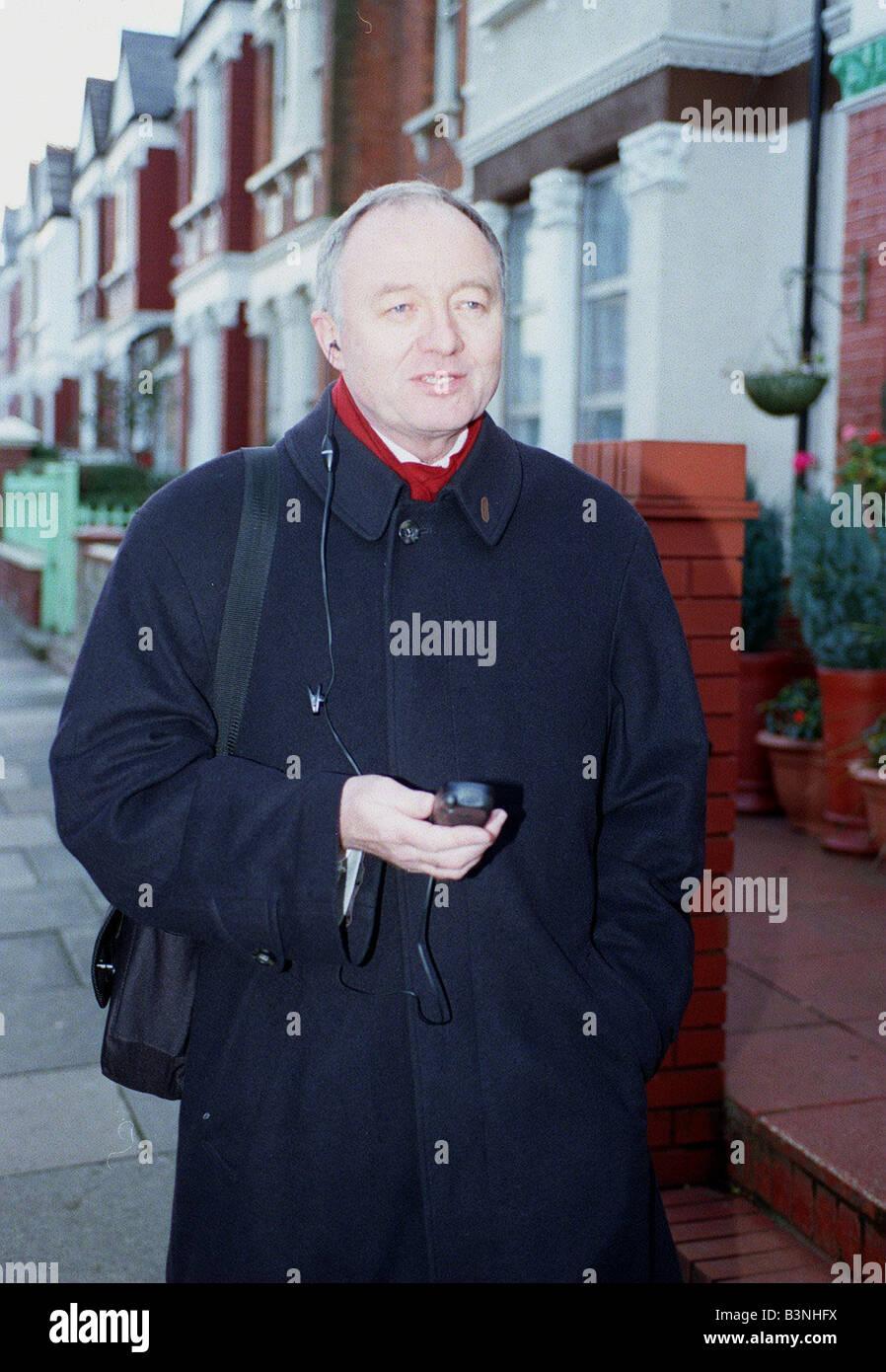 Ken Livingstone leaving home this morning November 1999 - Stock Image