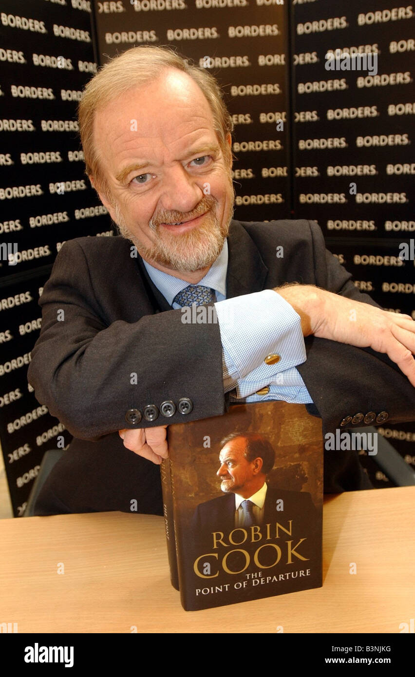 Robin Cook MP book signing Glasgow 24th October 2003 Book title Robin Cook the point of departure - Stock Image