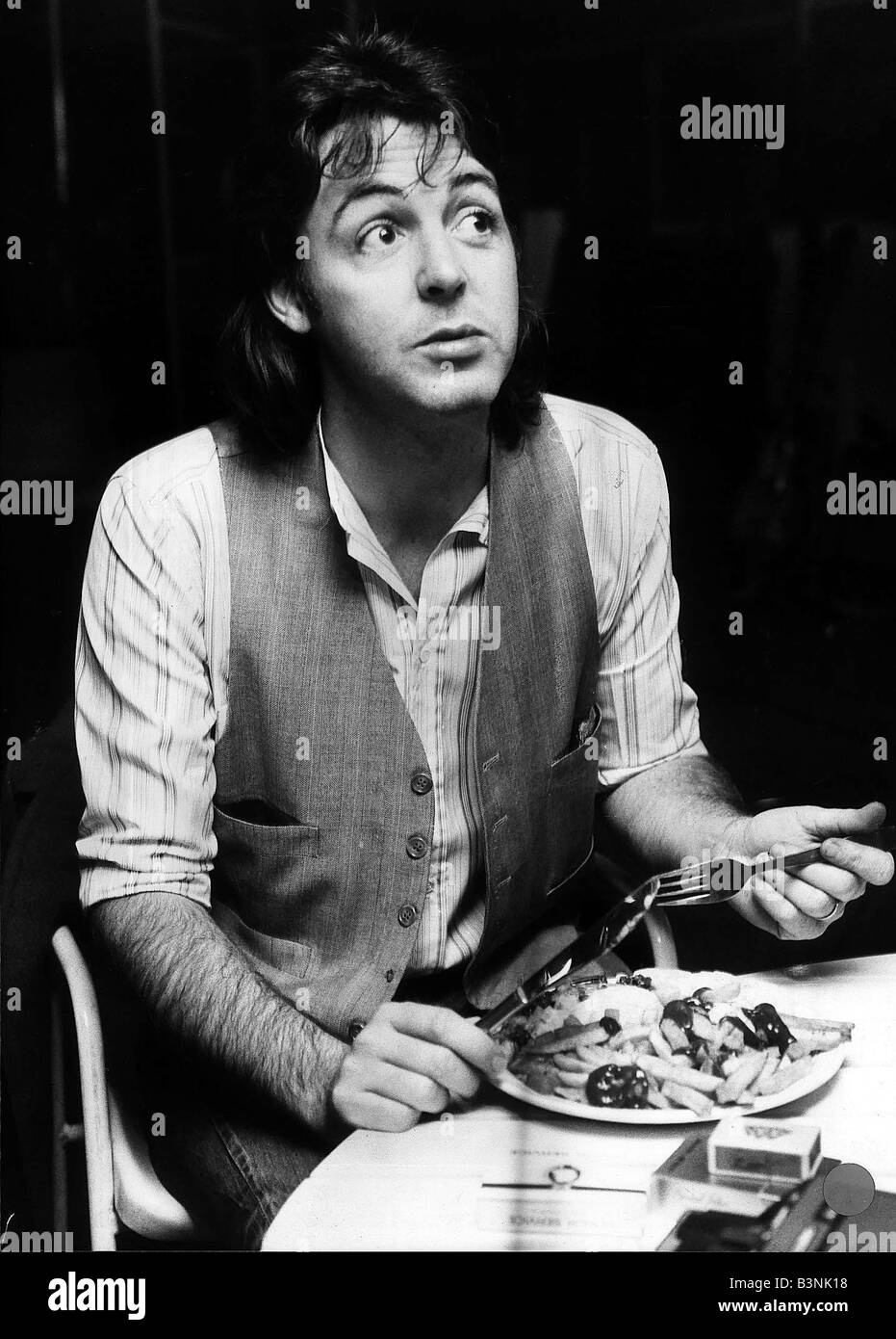 Paul McCartney Former Singer With The Beatles Eating Fish And Chips November 1977