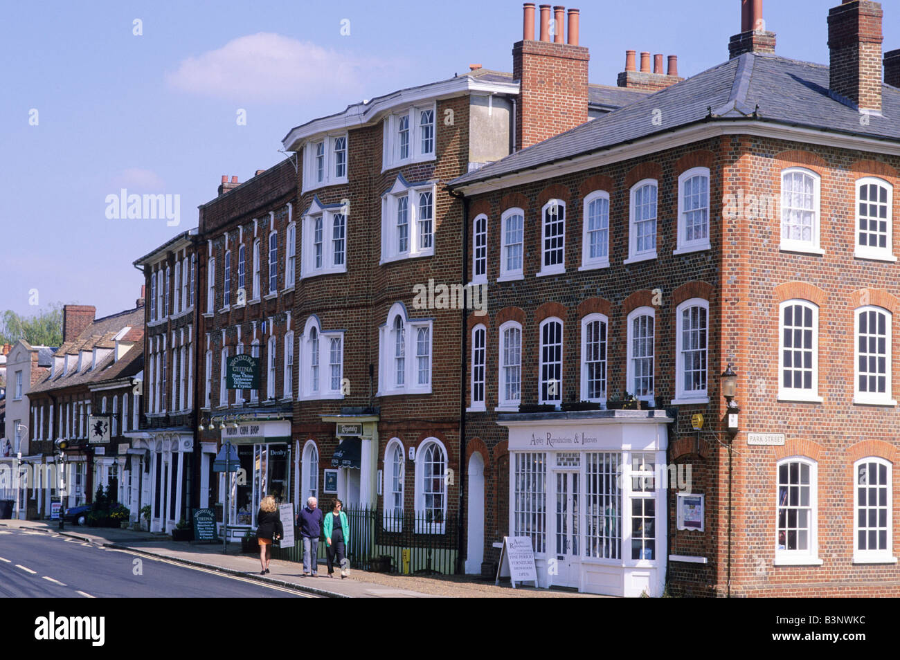Woburn Market Place Bedfordshire town townscape English Georgian buildings terrace shops architecture England UK - Stock Image