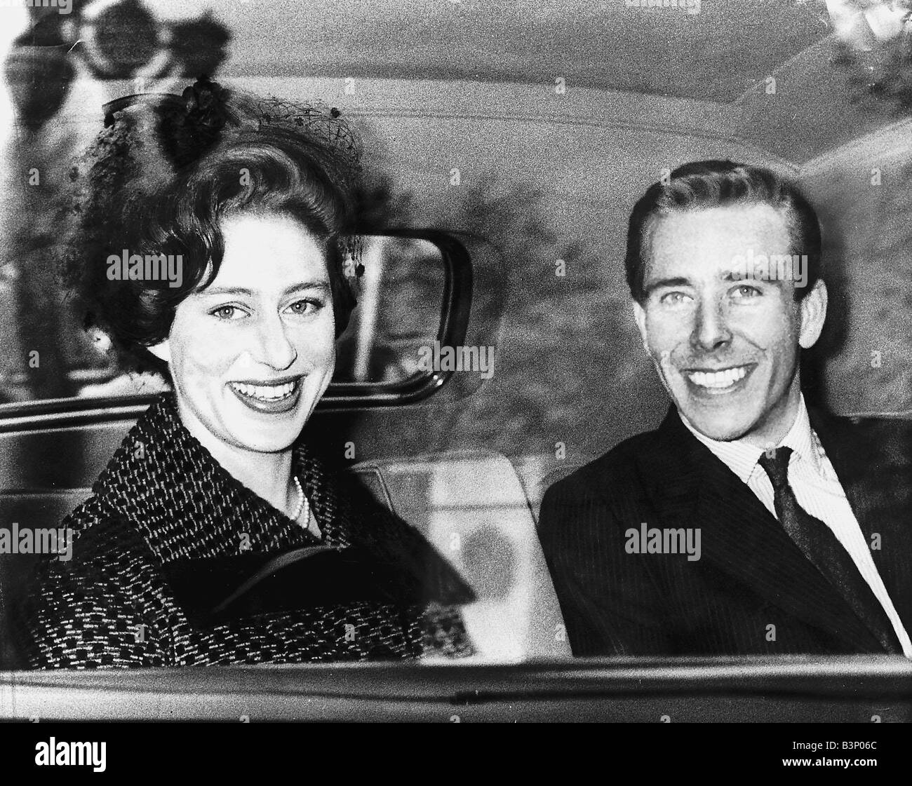 princess margaret and lord snowdon may 1960 leaving buckingham
