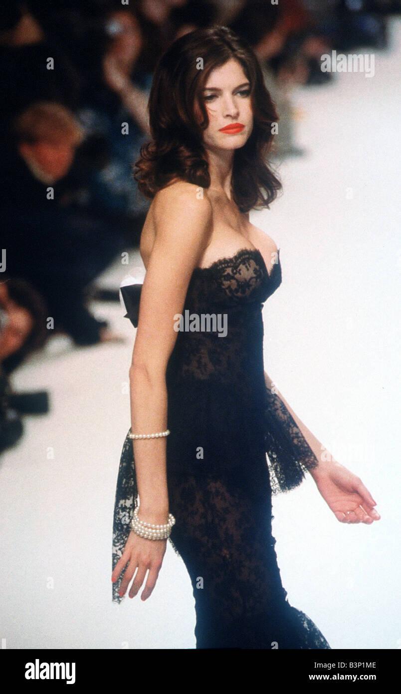 Stephanie Seymour Paris fashion Week 1995 Stephanie ...