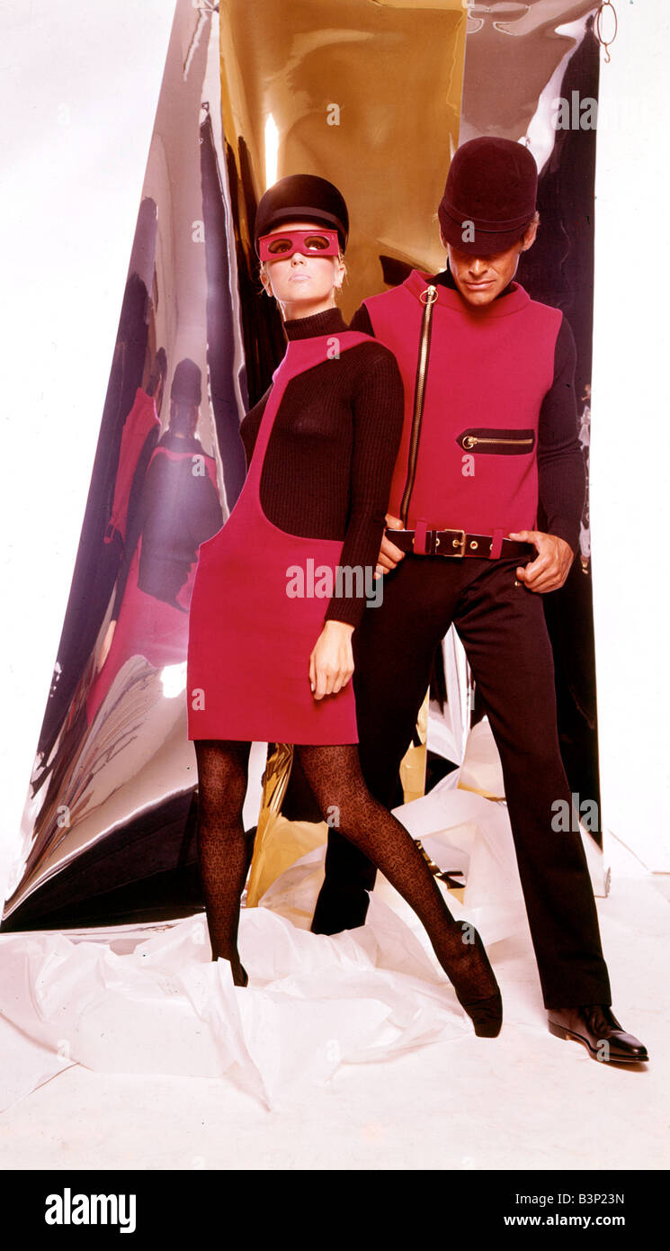 His and her fashions Space age style outfits by Pierre Cardin Clothing Fasfion Suits Dress Glasses August 1966 1960s - Stock Image