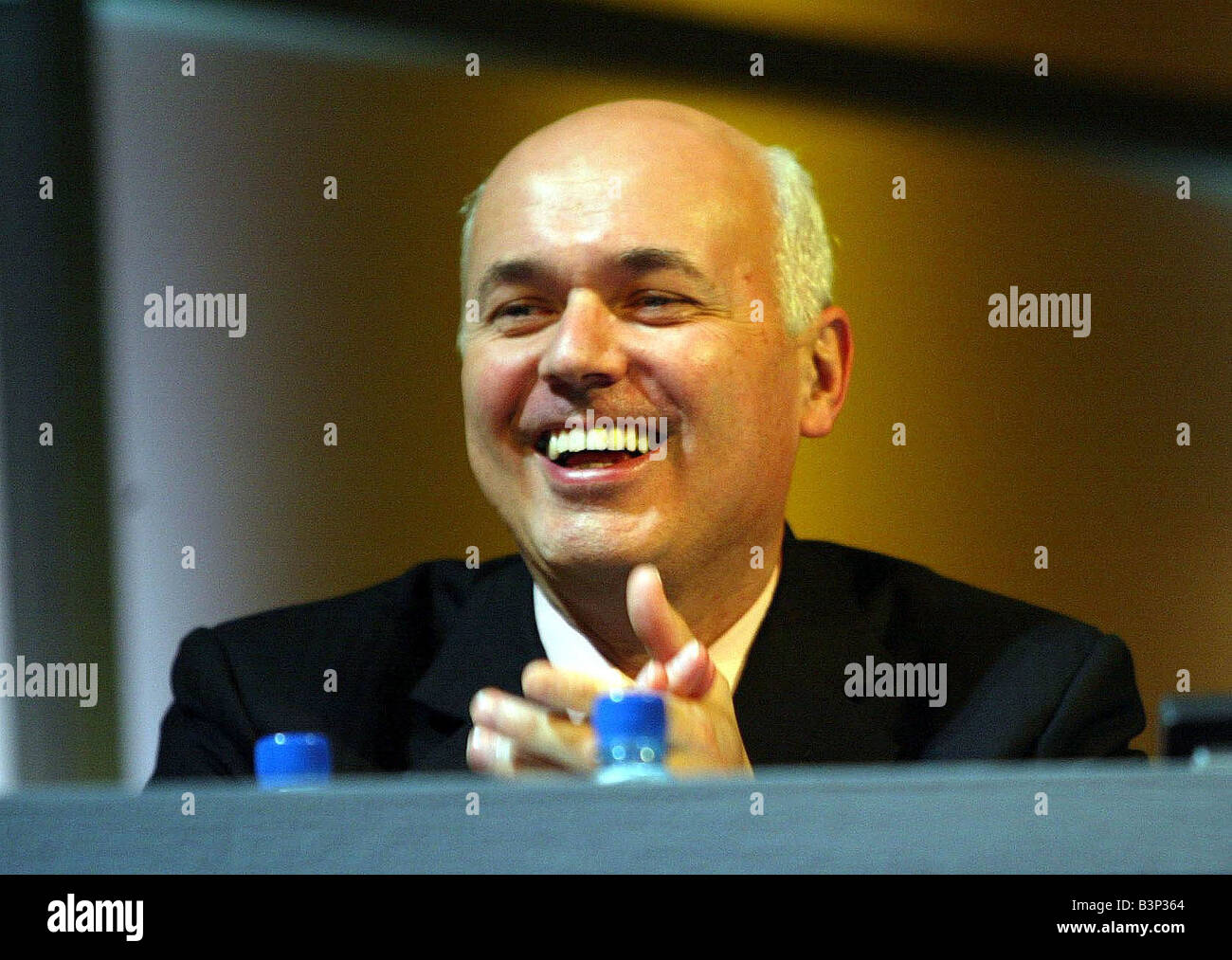 Iain Duncan Smith at the Conservative party Conference october 2003 - Stock Image