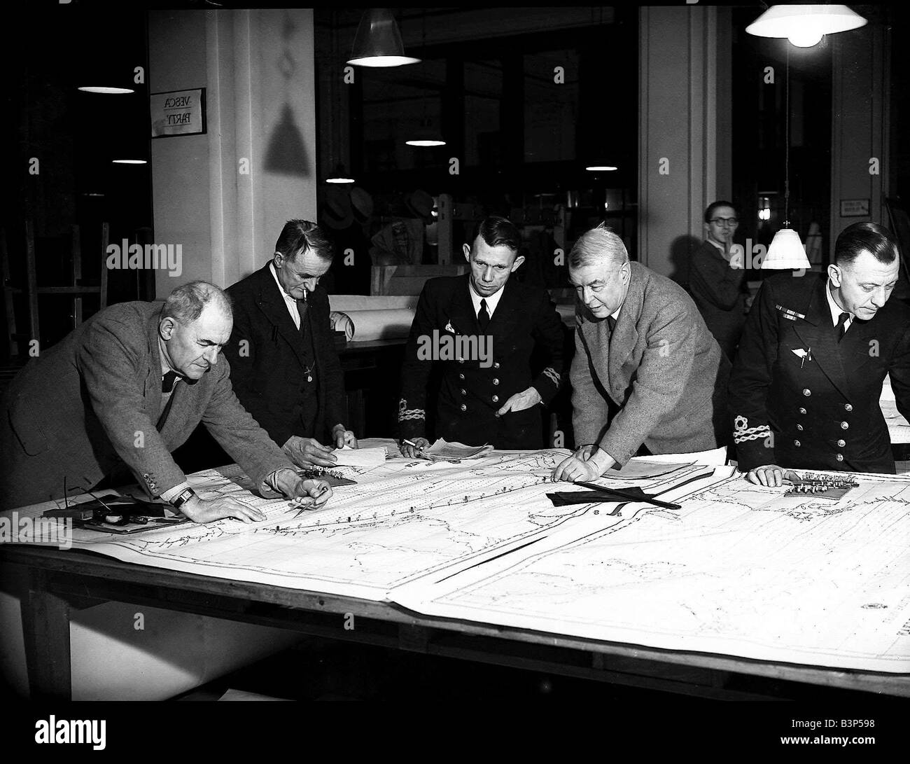 Admiralty plotting room in use during WW2 - Stock Image