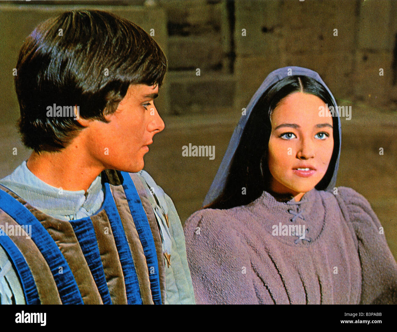 franco zeffirelli romeo and juliet Zeffirelli's acclaimed adaptation of shakespeare's timeless love story  franco  zeffirelli's version of romeo & juliet is an incredible film with its faithful rendition.
