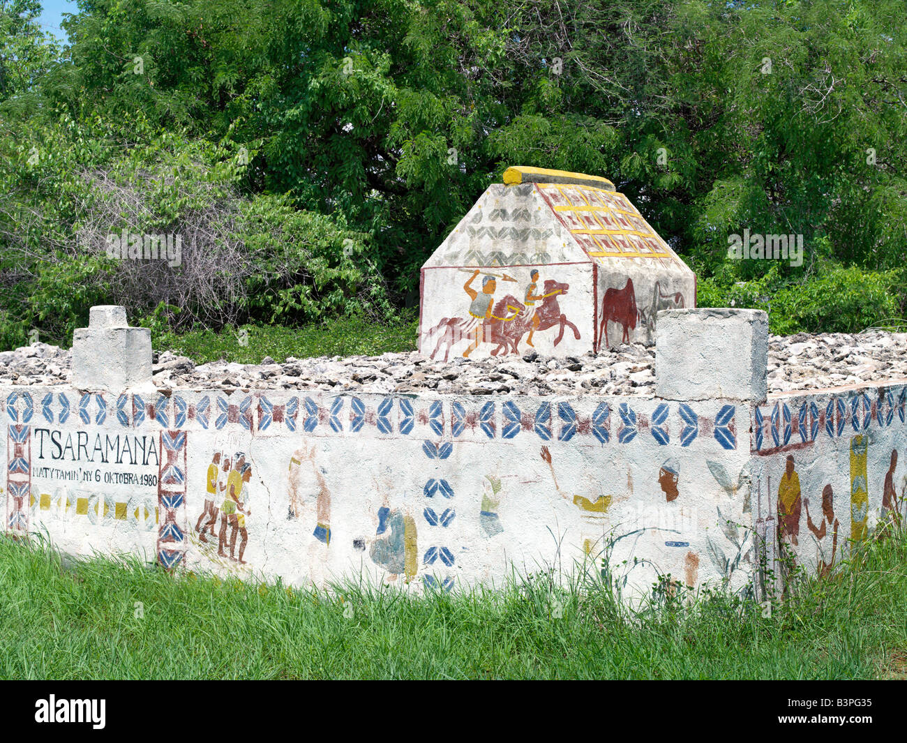Southwest  Madagascar, Andranovy. A Mahafaly tomb.  A Mahafaly man who has been a respected and wealthy member of - Stock Image