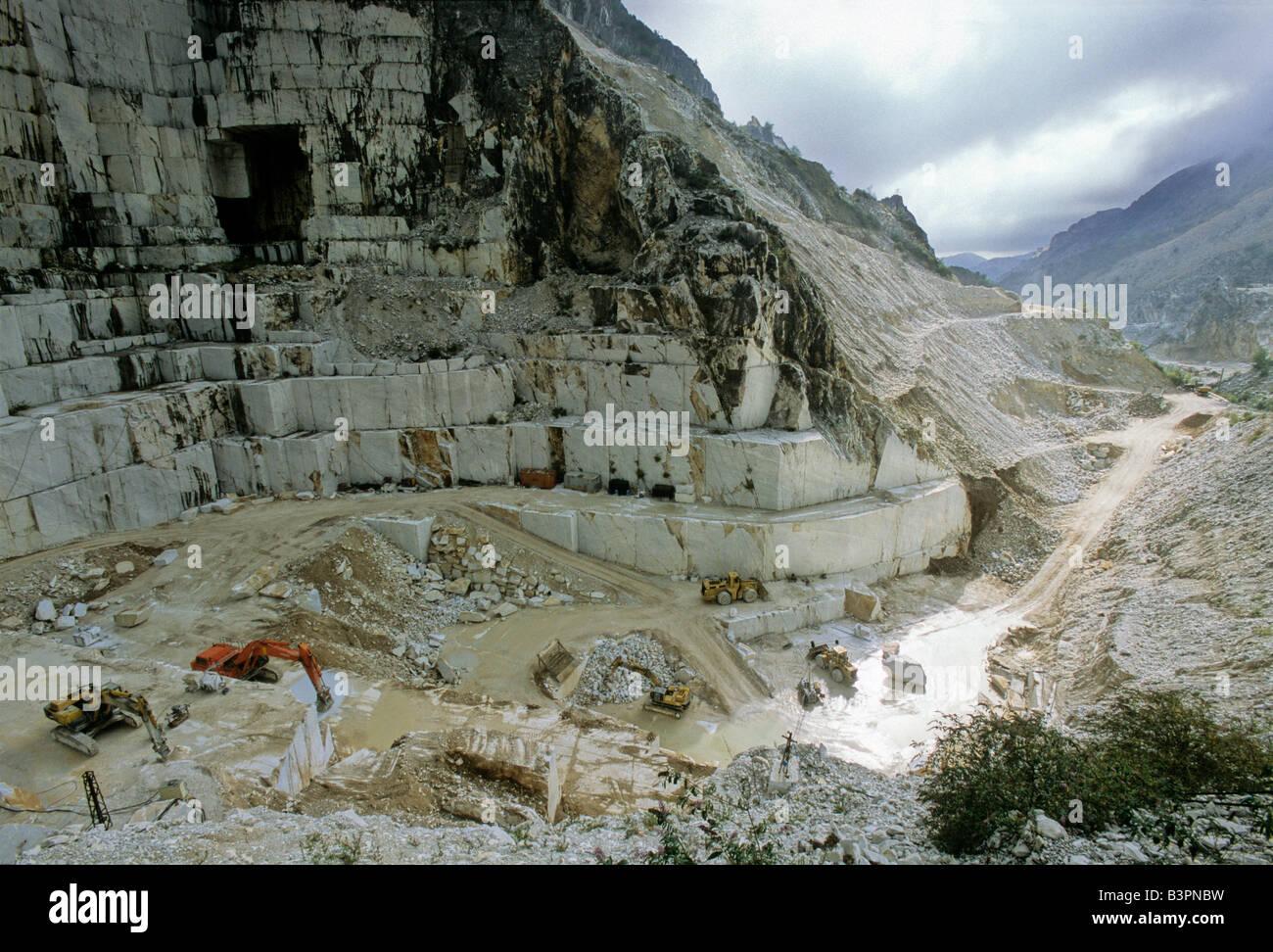 Carrara Marble Quarry Stock Photos & Carrara Marble Quarry