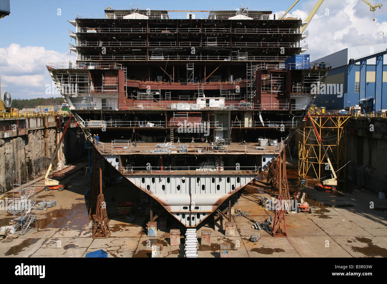 Oasis of the Seas under construction at Aker Yards Finland - Stock Image