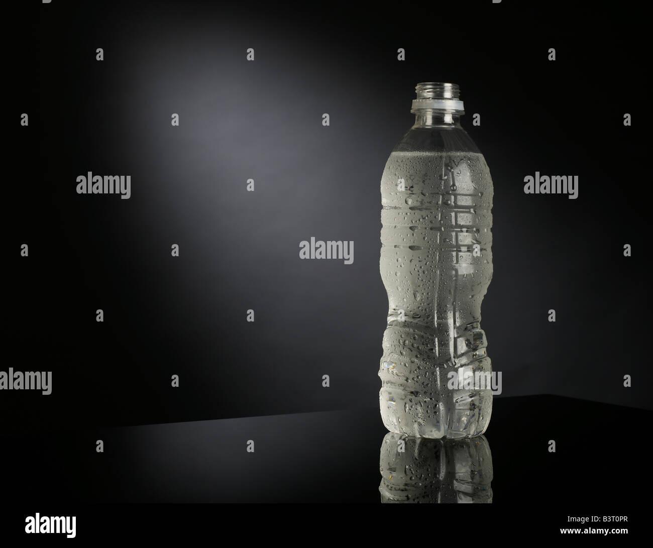 Bottle of water horizontal - Stock Image