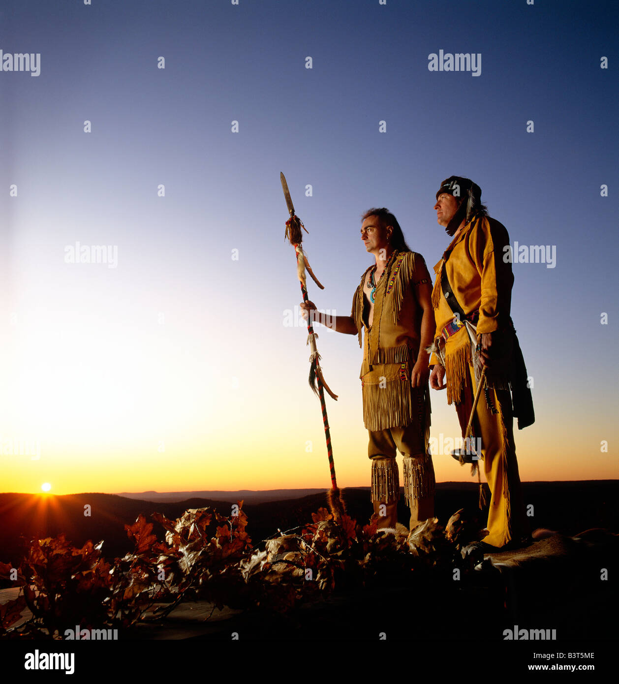 NATIVE AMERICAN SHAWNEE INDIANS AT SUNSET, HIGH KNOB NATURAL AREA, PENNSYLVANIA, USA - Stock Image