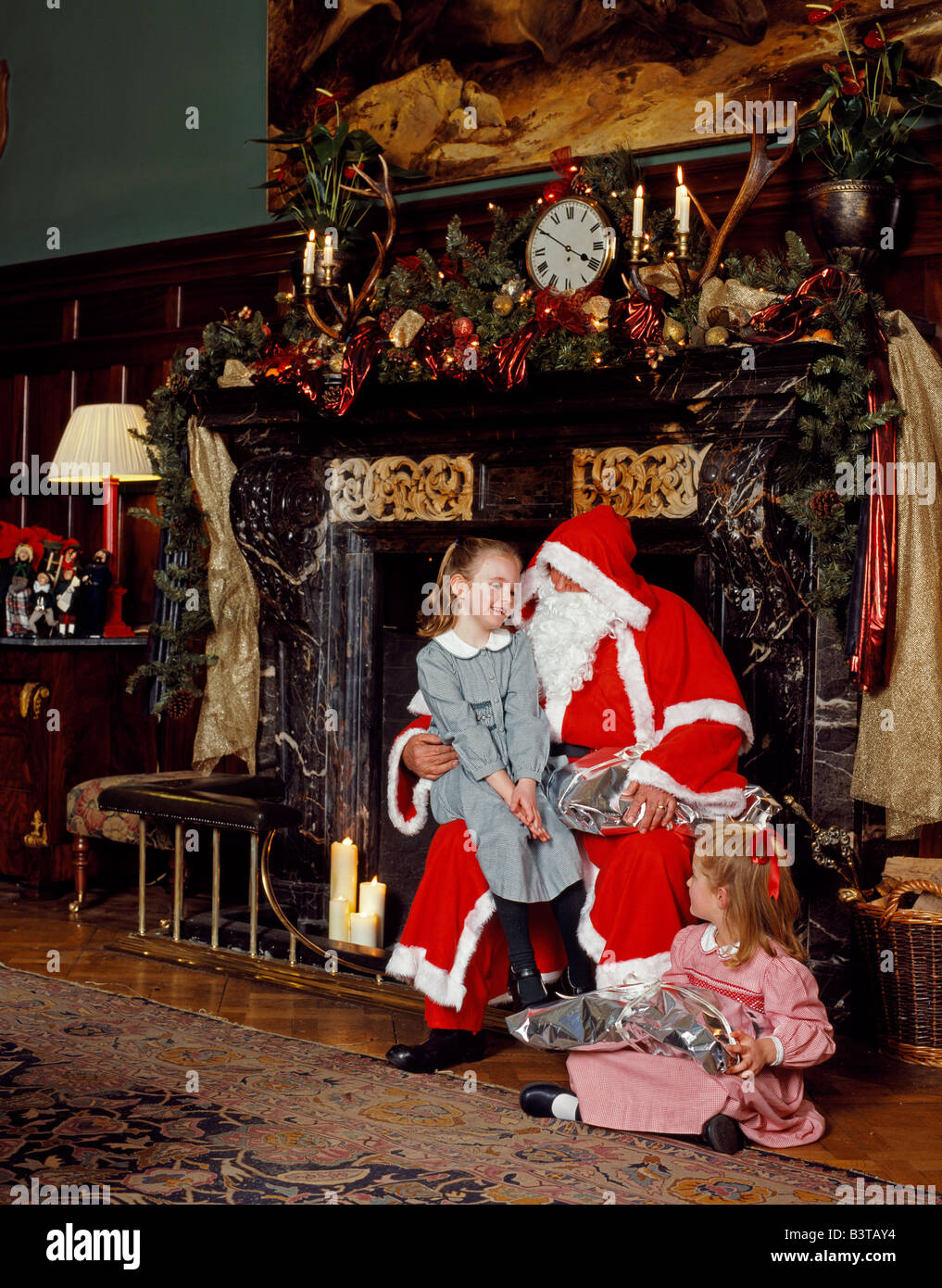 England Leicestershire Stapleford Father Christmas Brings Presents To Young Guests At Park Country House Hotel
