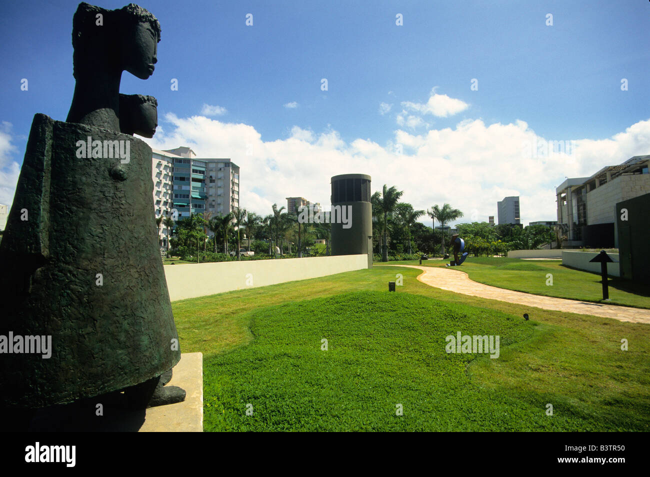 Sculpture at the Museo de Arte de Puerto Rico gardens in Santurce Puerto Rico - Stock Image