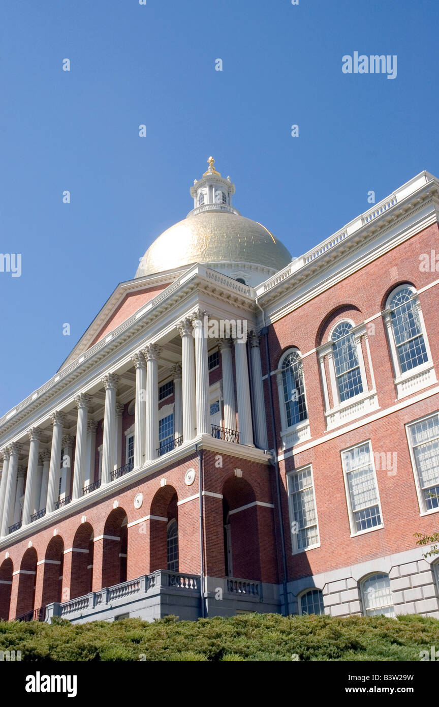 Looking up at the Massachusetts Statehouse on Beacon Hill in Boston - Stock Image