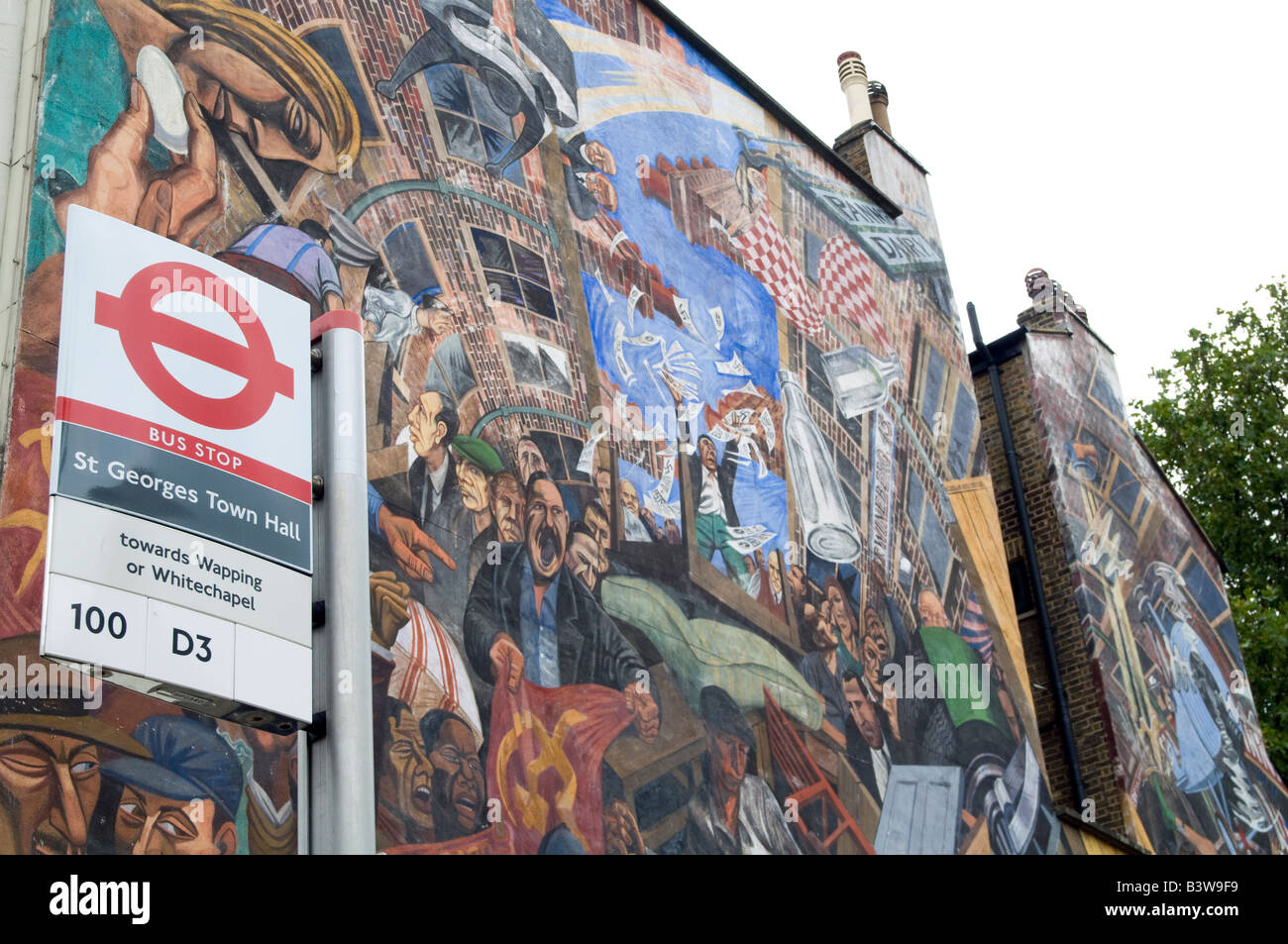 UK-mural in Cable Street,London marking the battle between Oswald Mosley's British Union of Fascists and the - Stock Image