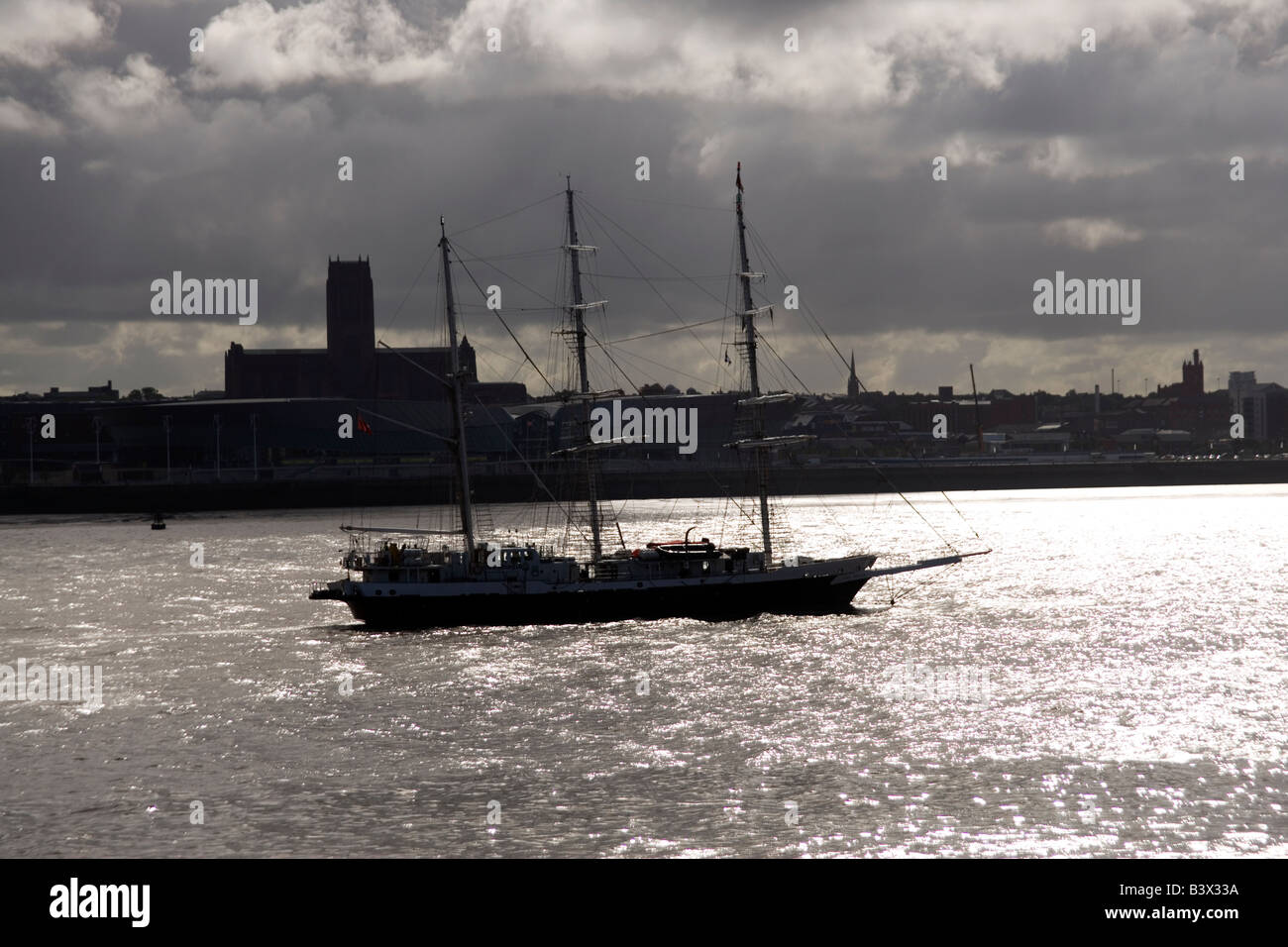 The Dutch sailing ship the Eendracht at the Tall Ships race parade in Liverpool July 2008 in sailing up the Mersey - Stock Image