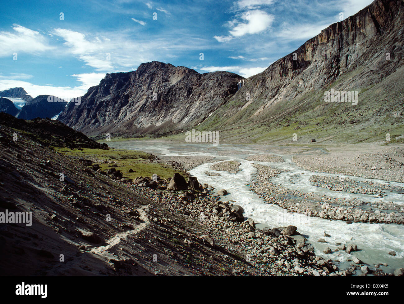 Windy Pass and the Weasel River, Auyuittuq National Park, Baffin Island, Nunavut, Canada - Stock Image