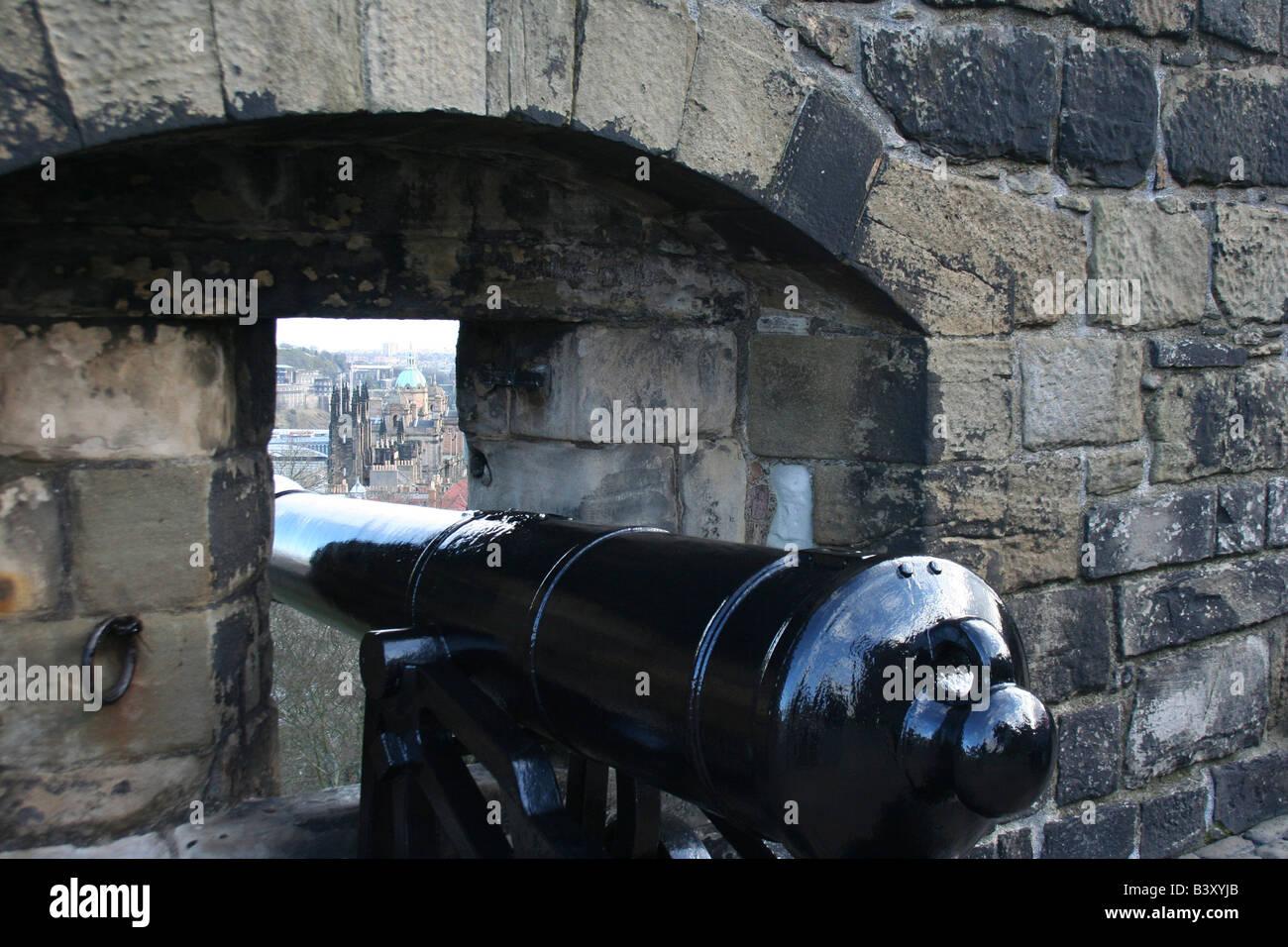 cannon at edinburgh castle - Stock Image